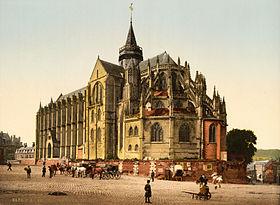 La collégiale vers 1890 – 1900.