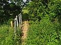Footbridge near railway - geograph.org.uk - 1338975.jpg