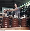 Fotothek df n-15 0000309 Facharbeiter für Sintererzeugnisse.jpg