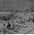 Fotothek df ps 0000220 Schüler zeichnen am Rande der Baugrube für die Bebauung d.jpg