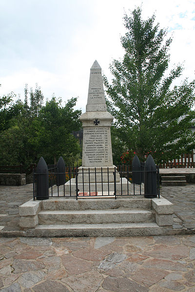 Fraisse-sur-Agout (Hérault) - monument aux morts.