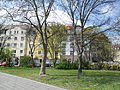 Friggastraße 1 und Platz der Opfer des Faschismus 4.JPG