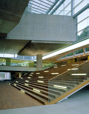 Museum of World Culture - The grand stairs in the atrium (Fotograf: Hélène Binet)