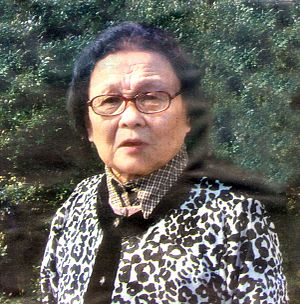 HIV/AIDS in Yunnan - Dr. Gao Yaojie, a gynecologist and AIDS activist from Henan province.