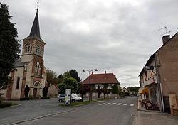 Garnat-sur-Engièvre Grand-Rue.JPG