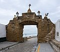 Gate to the coast - Cadiz, Spain - panoramio.jpg
