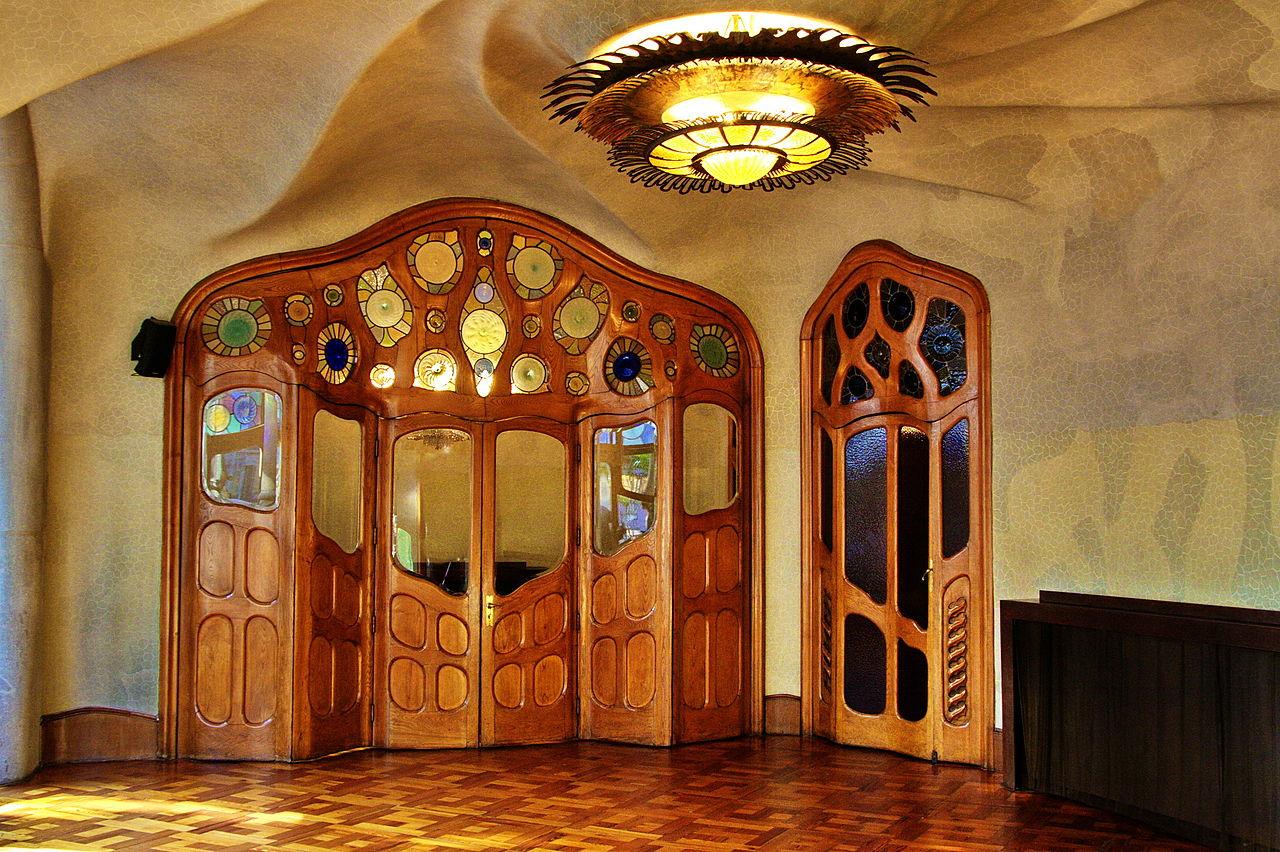 Fichier gaudi batllo salo wikip dia - Art nouveau architecture de barcelone revisitee ...