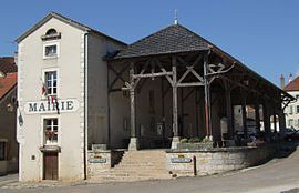 Town hall and market hall of Gemeaux