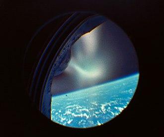Gemini 2 - The atmospheric re-entry of Gemini 2 viewed through a pilot's window