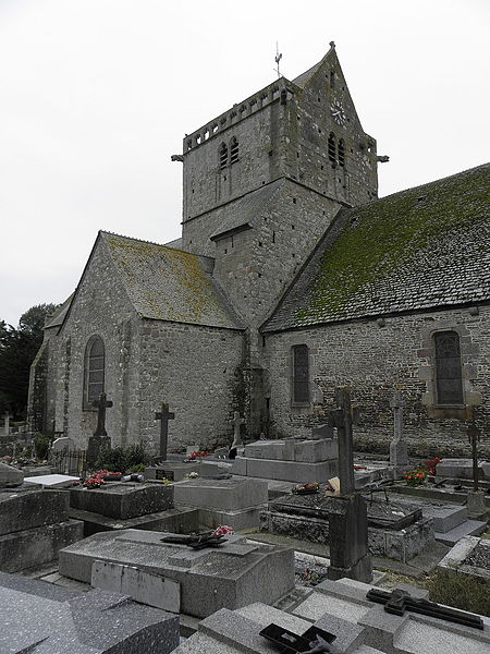Flanc nord de l'église Notre-Dame de Genêts (50).
