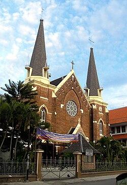 Gereja Katolik Kelahiran Santa Perawan Maria, Surabaya.jpg