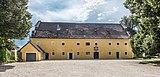 Grafenstein Schloss 2 Wirtschaftsgebäude beim Schloss W-Ansicht 26072018 4034.jpg