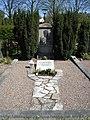 Grave Thor Stenström 2.jpg