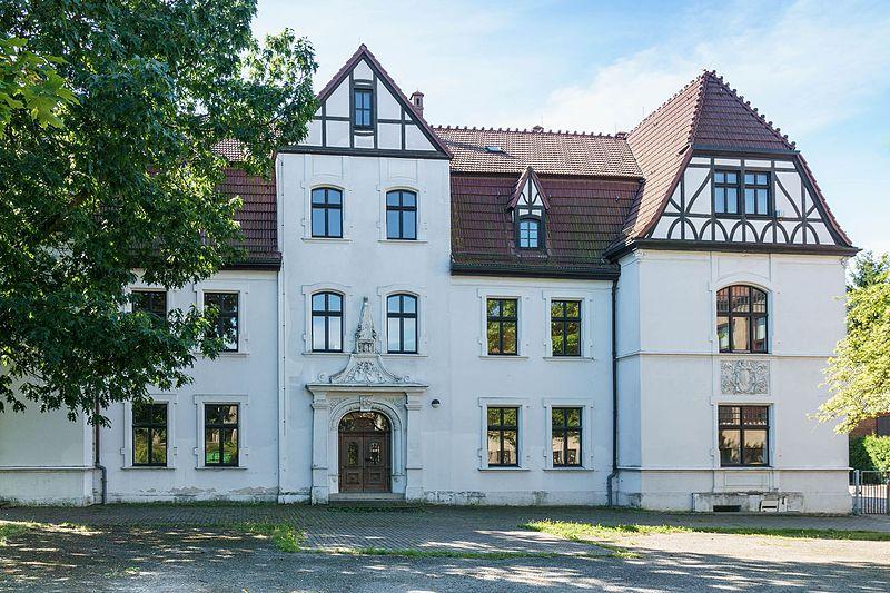 File:Guentheritz Herrenhaus-01.jpg