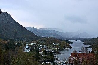 Eivindvik - View of Eivindvik, including Gulen Church and the Gulafjorden