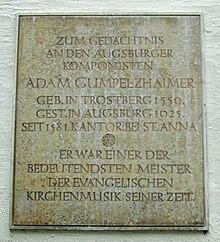 Gedenktafel an der St.-Anna-Kirche, Augsburg (Quelle: Wikimedia)