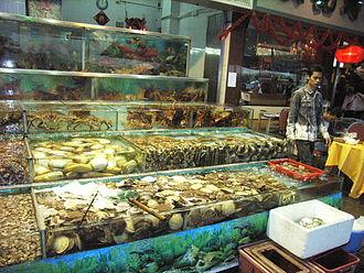 Cantonese restaurant - Image: HK Sai Kung Seafood Street n restaurants