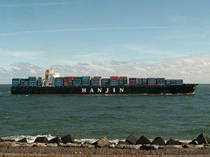 Hanjin Irene p4 approaching Port of Rotterdam, Holland 10-Aug-2005.jpg