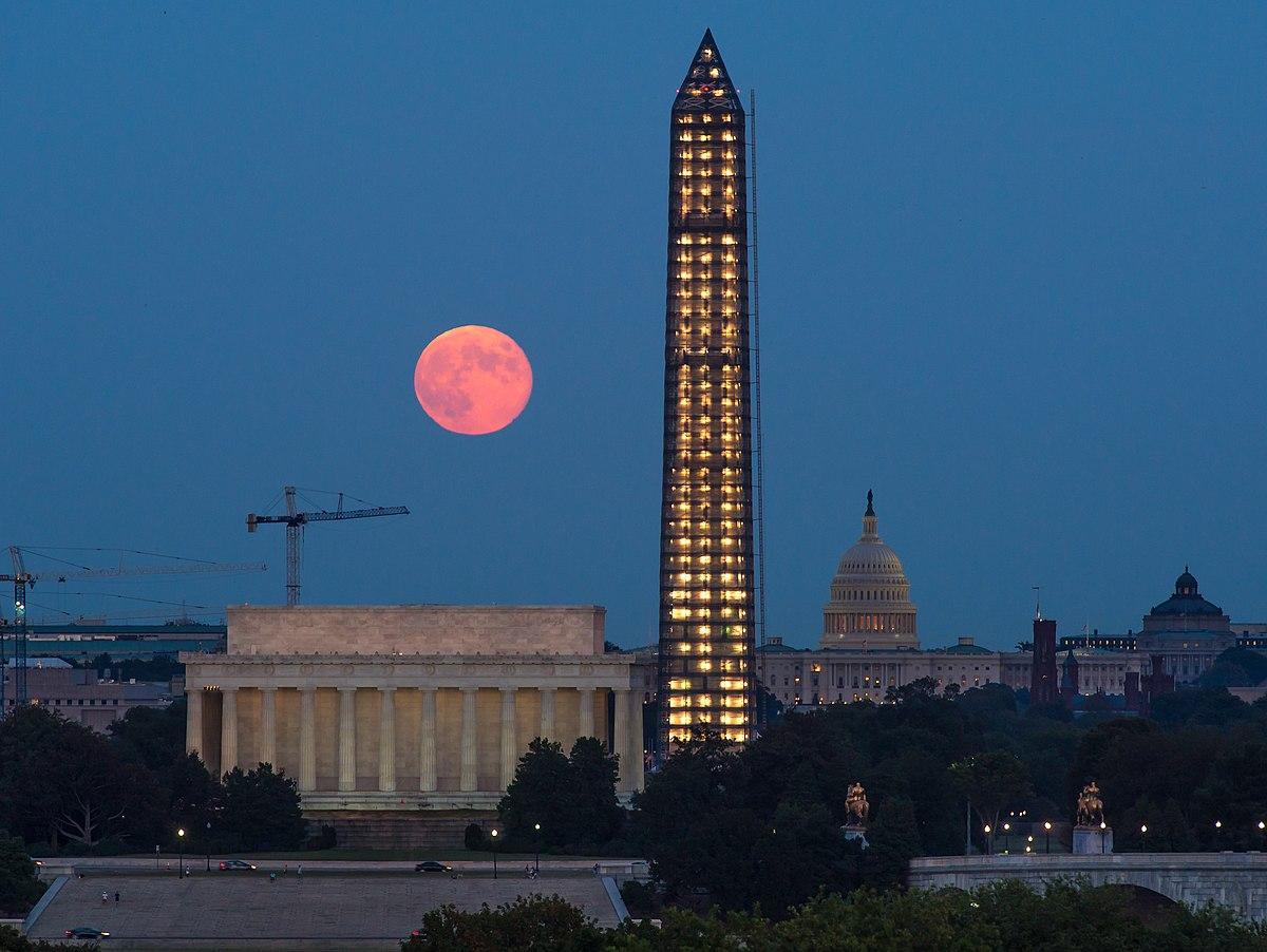 Monument wikipedia for 3 famous landmarks