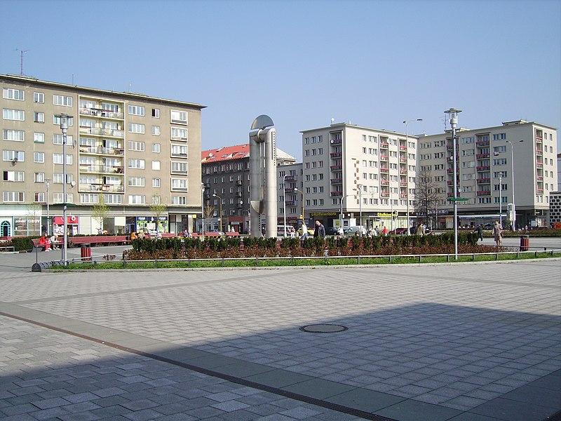 Soubor:Havirov sq02.JPG