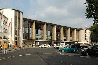 Heidelberg Hauptbahnhof - East facade of the station main building in Willy-Brandt-Platz