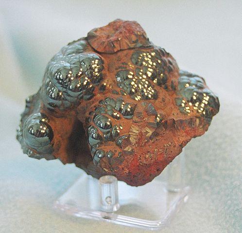 Hematit (blodstensmalm), Fe₂O₃.