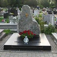 Henryk Mikolaj Gorecki grave.jpg