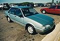 Holden Camira JE SLE (15724368084).jpg