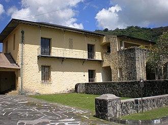 Lihiwai - Front corner of 51 Kepola Pl.
