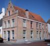 foto van Diepdoorlopend hoekpand Minrepoortstraat