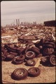 ILLEGAL DUMPING AREA OFF THE NEW JERSEY TURNPIKE, FACING MANHATTAN ACROSS THE HUDSON RIVER. TO THE SOUTH IS THE... - NARA - 549773.tif