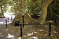 Ice Well, Oakwood Park, London N14 - geograph.org.uk - 868342.jpg