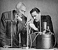 Ignacy Płażewski, prof. Mikołaj Łaźniewski i prof. Eugeniusz Michalski w laboratorium, I-4714-2.jpg