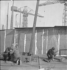 In a British Shipyard- Everyday Life in the Shipbuilding Industry, UK, 1943 DB72.jpg