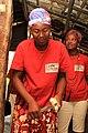 Instrument rudimentaire pour réduire le manioc en farine.jpg