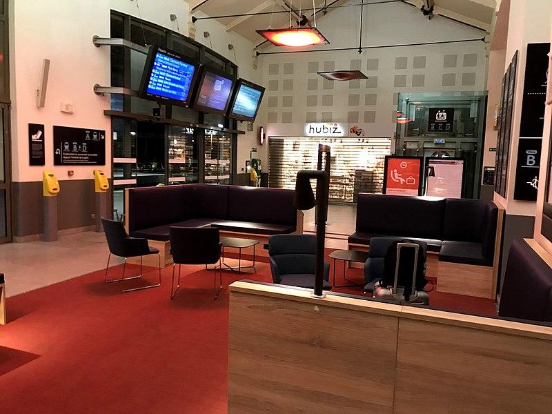 File:Intérieur De La Gare De Vichy, 2019.jpg