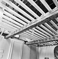 Interieur- de beschilderde moerbalken onder het vroeg-17de-eeuwse stucplafond op de verdieping, tijdens de restauratie - Brielle - 20042529 - RCE.jpg