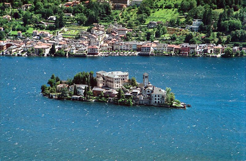File:Isola Orta Isola San Giulio.jpg