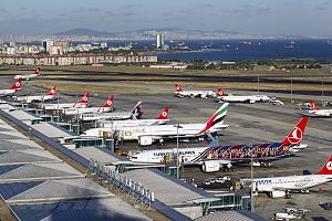 Istanbul Atatürk Airport - Apron overview
