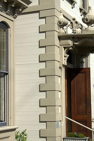 Jacob Kamm House - Quoin and horizontal siding detail
