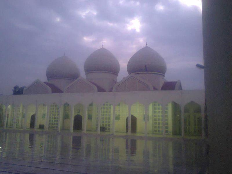 Jamia Masjid Punjab University in a Marvelous scene..jpg