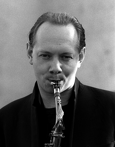 Picture of a band or musician: Joe Jackson