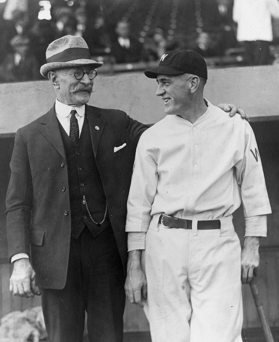 Joe Judge and his father at the World Series baseball game, Washington, D.C., 1924 LCCN2003652536 (cropped)