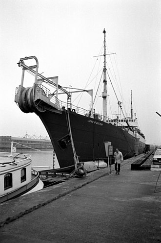 John William Mackay - John W. MacKay (ship, 1922) in the West India Docks, 1985