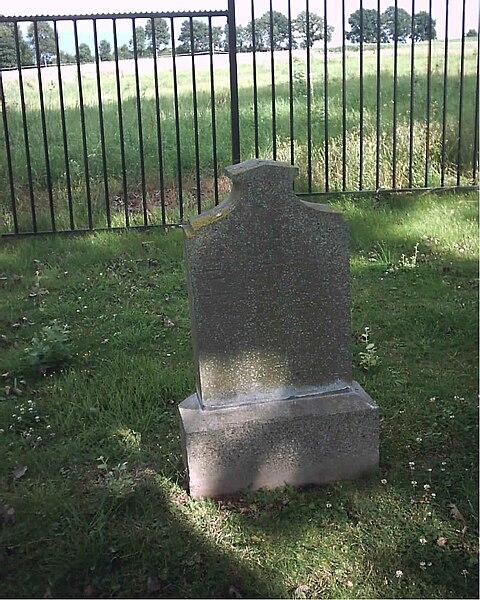 File:Joodse begraafplaats Beek graf Efraim.jpg