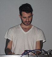 Joshua Eustis with Telefon Tel Aviv in 2009.jpg