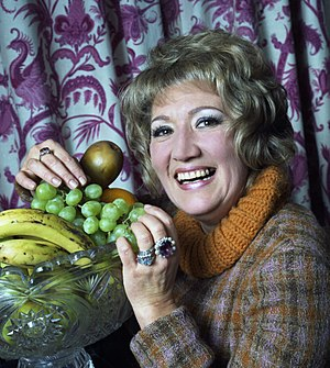 June Bronhill - June Bronhill, photographed in 1973 by Allan Warren