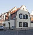 Köln-Longerich, Kriegerplatz 10, Denkmalnr. 2940.jpg