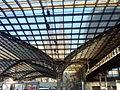 Köln - Dom - Ansicht durch das Dach des Hauptbahnhofs.jpg