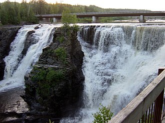 Kakabeka Falls - Image: Kakabeka Falls 081704